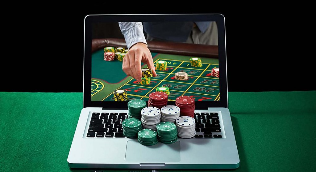 Playing Hey Lo Stud Poker - Online Gaming